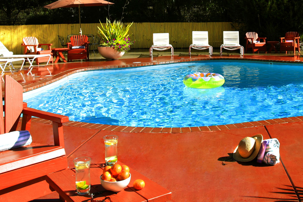 West Sonoma Inn and Spa pool
